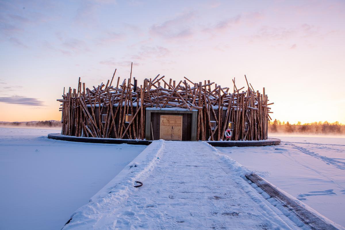 Architects Bertil Harström and Johan Krauppi have created a free-floating hotel in Sweden. / Anders Blomqvist