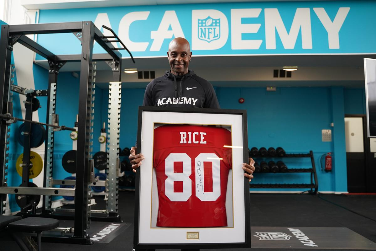 The opening of the centre was marked with a visit by NFL legend Jerry Rice / Fusion LIfestyle