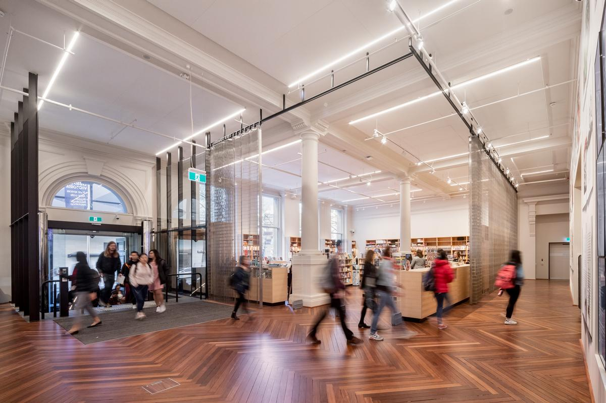 It was also the aim to provide a clear narrative for visitors as they pass through the library's spaces