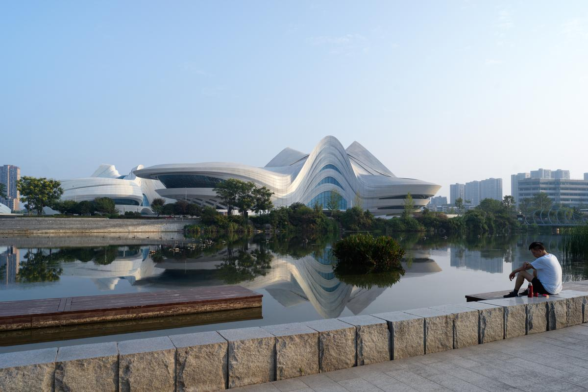 The Changsha Meixihu International Culture & Arts Centre covers 115,000sq m (1,240,000sq ft) / Virgile Simon Bertrand