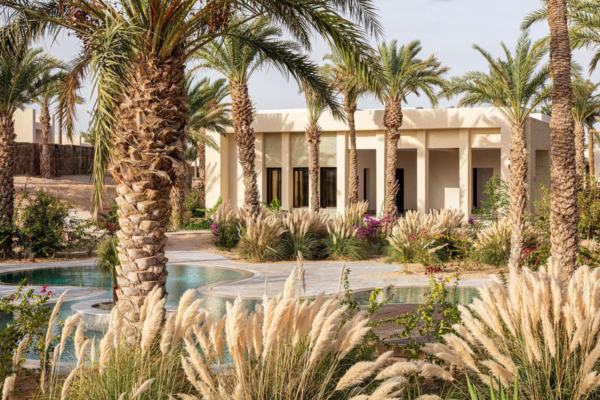 The new resort is named Anantara Tozeur Resort.