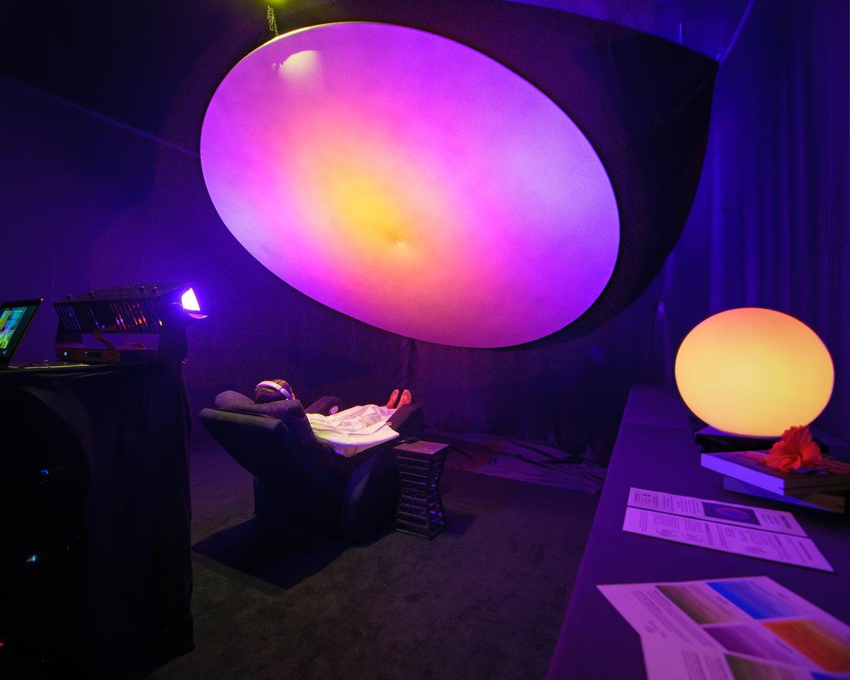 Sensors Light Therapy combines light, sound and vibration therapies