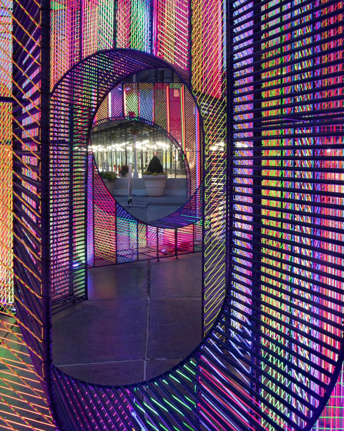 27,000ft (8,200m) of cord was used to create the installation / Hou de Sousa