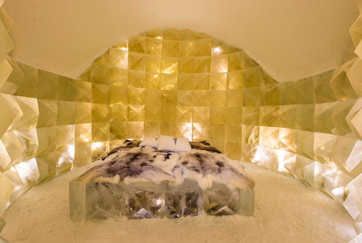 Art Suite Golden Ice | Design Nicolas Triboulot & Jean-Marie Guitera / Asaf Kliger / Icehotel