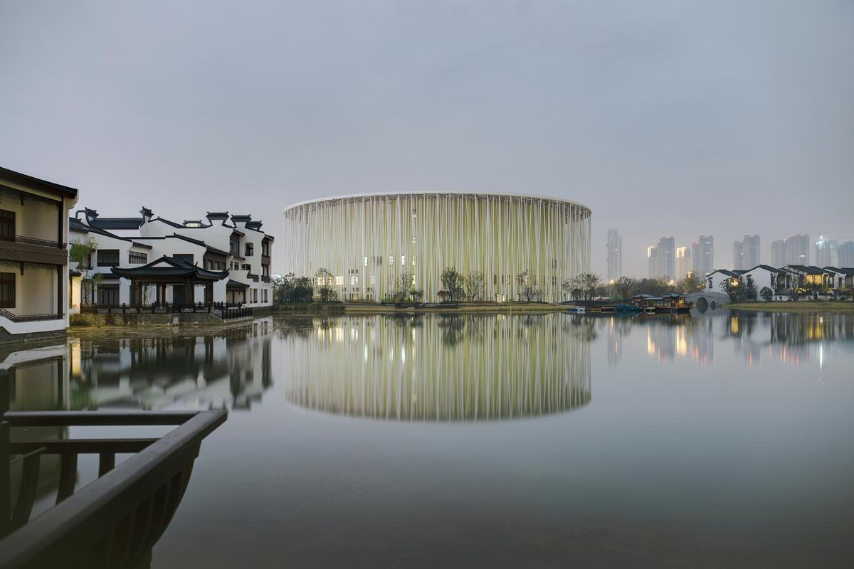 The theatre is located in Jiangsu Province, China / Steven Chilton Architects
