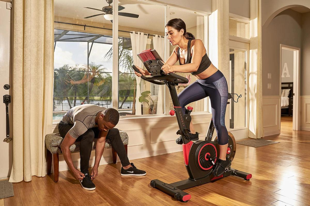 Echelon provides indoor exercise bikes and mirror-like 'Reflect' fitness solutions for the consumer market / Echelon Fitness