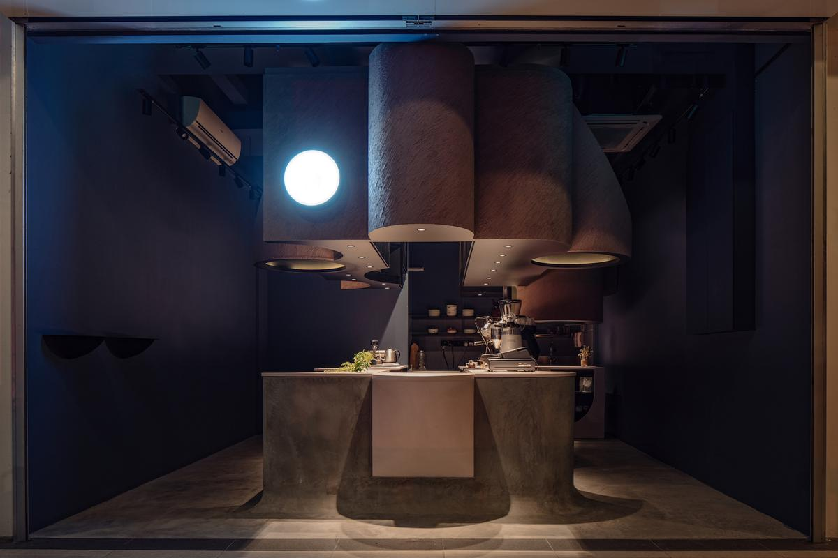 The café covers an area of just 28sq m (301sq ft) / Khoo Guo Jie