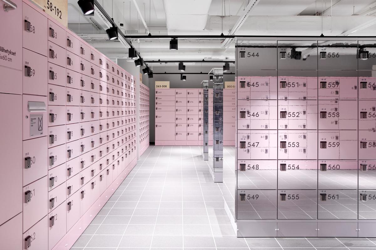 Lockers are provided in a variety of different sizes, ensuring all sorts of packages are catered for / Riikka Kantinkoski