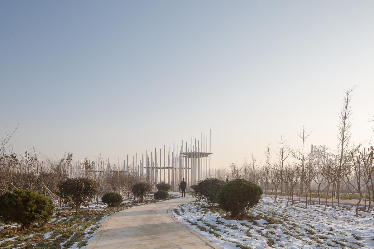 The pavilion covers an area of 350sq m (3,770sq ft) / Aurelien Chen
