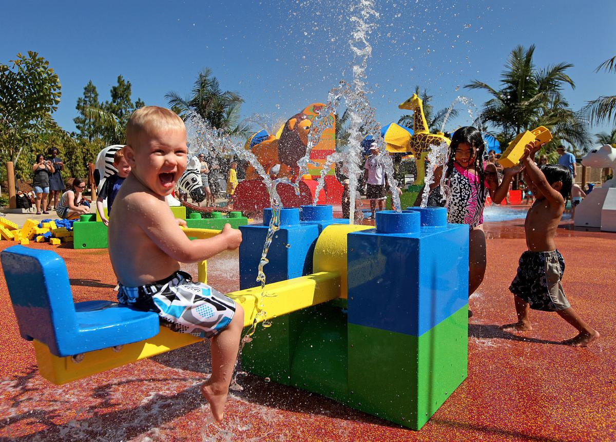 Features will include slides, pools and a water play complex