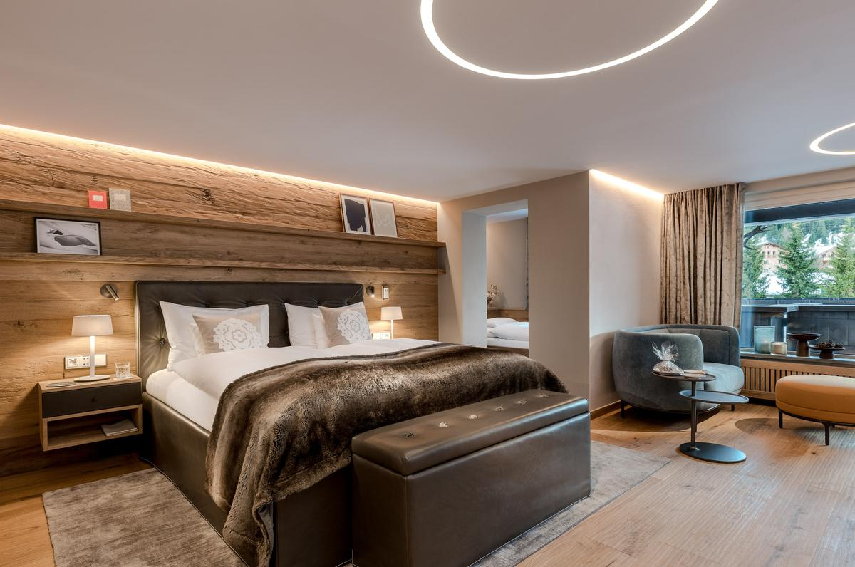 Materials and colours in the rooms are chosen for wellness and naturality