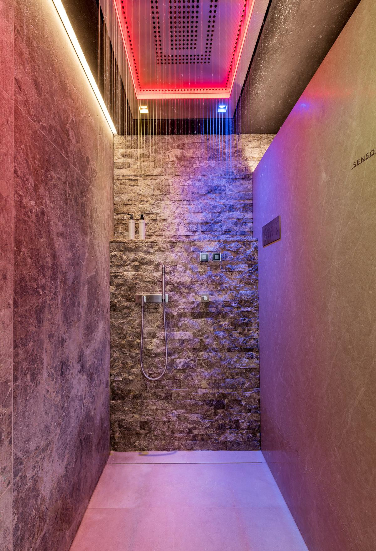 Hydrotherapy facilities cater for water massages, chromotherapy, aromatherapy and multi-sensory water experiences