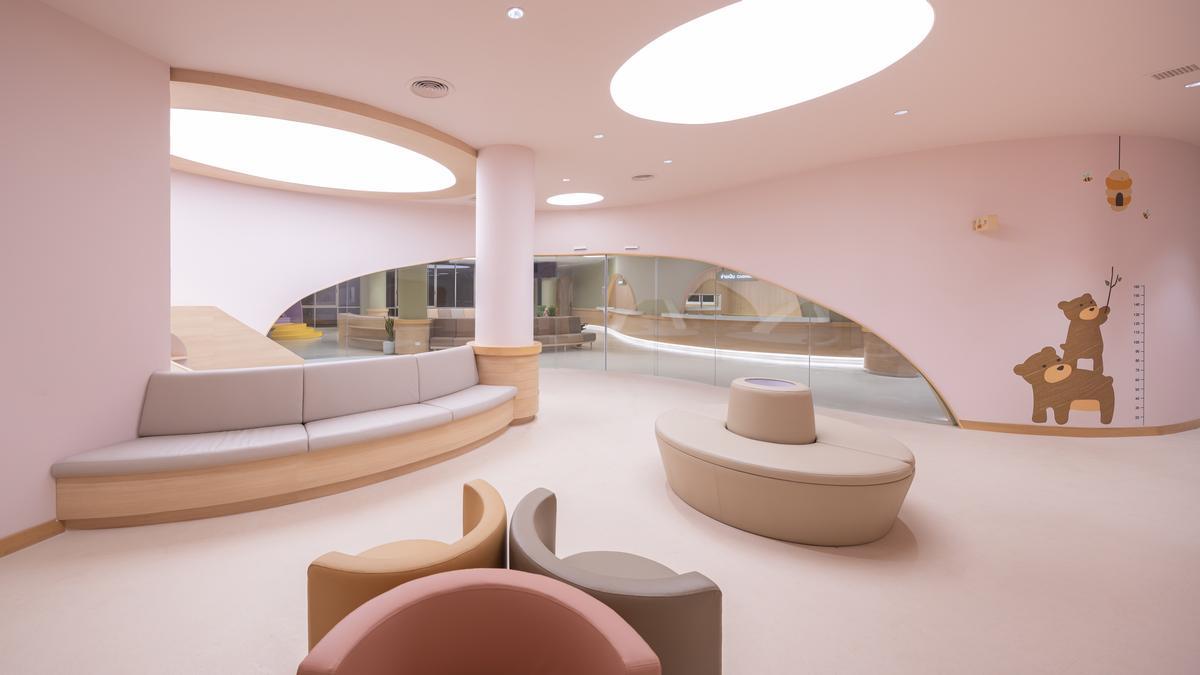 Soft, climbable furnishings contribute to the playground theme / Ketsiree Wongwan