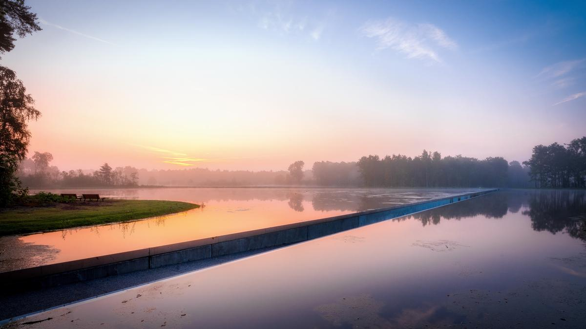 It was integrated into the landscape by BuroLandschap / VisitLimburg.be