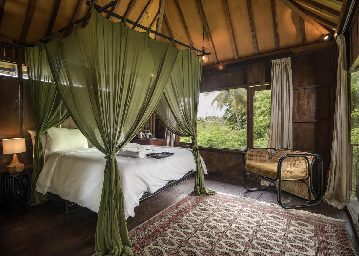 Dornier describes it as an 'experimental treetop boutique hotel' / kiearch