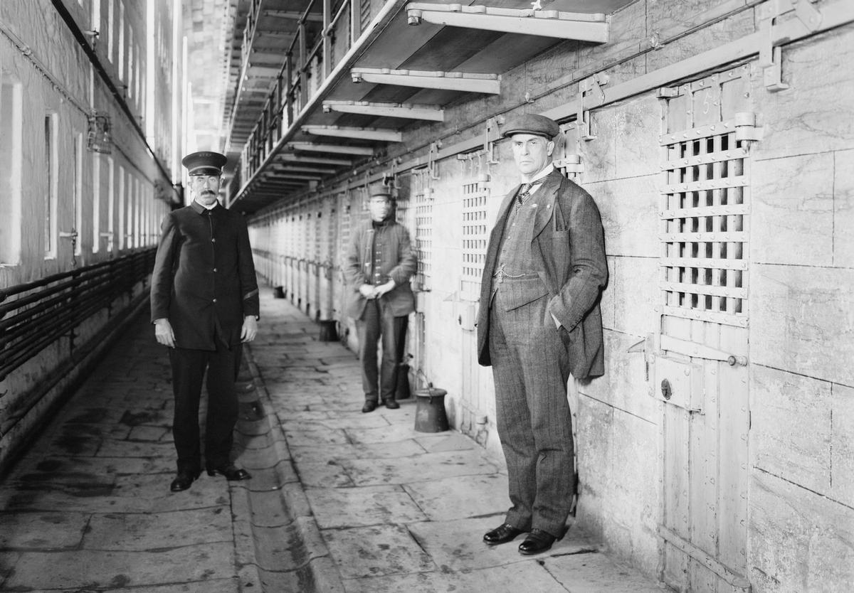 Warden Thomas Mott Osborne (right) was one of Sing Sing's most noted wardens, cracking down on prisoners who had bribed officers and intimidated other inmates / Shutterstock