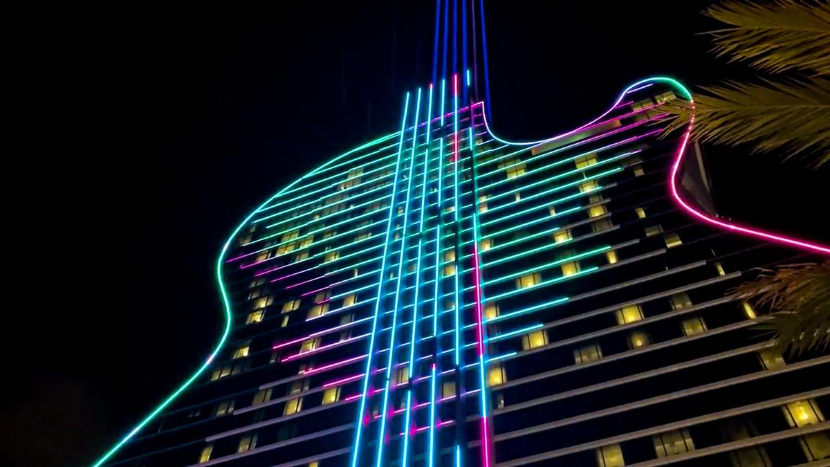 Six illuminated strings running up the hotel's body shoot beams of light 20,000ft (6,000m) into the sky / DCL Communications