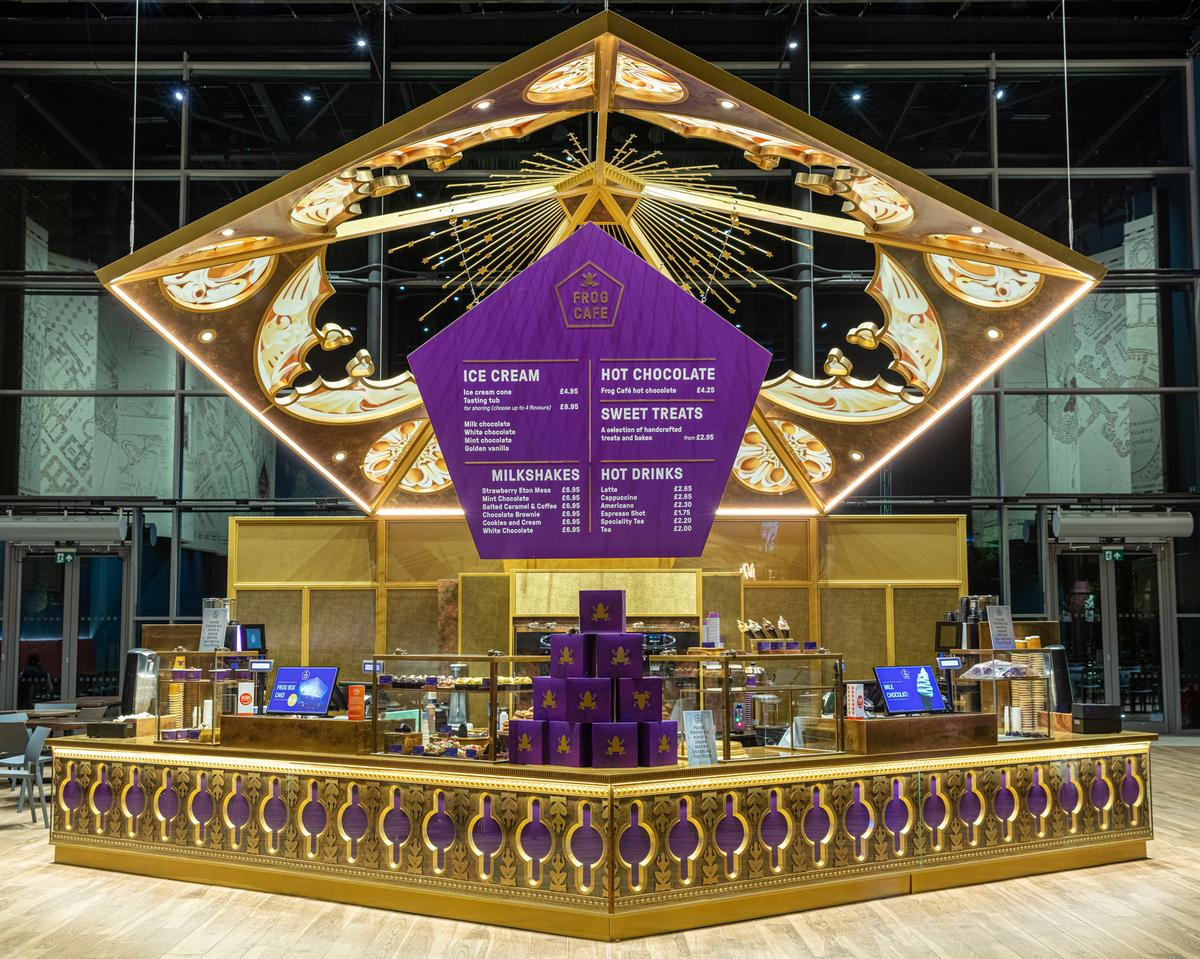The Frog Café serves hot drinks and bespoke desserts and was inspired by the pentagonal Chocolate Frog boxes