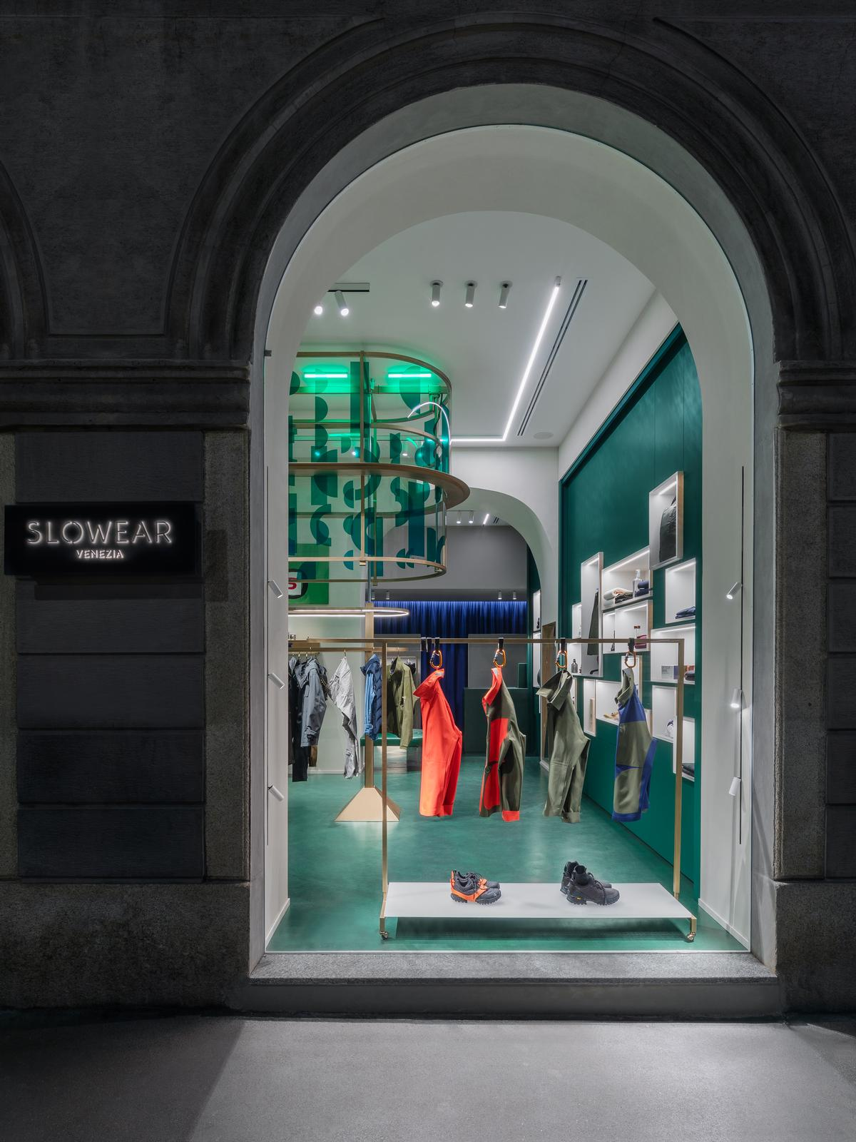 Windows on the street provide a view of the machine / Alessandro Saletta for DSL Studio