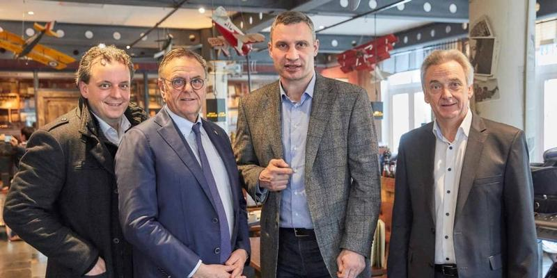 Vitali Klitschko holds talks with Europa Park about potential