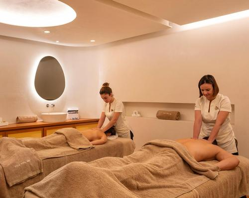 The new space comprises 14 treatment rooms, all equipped with the latest Gharieni treatment beds