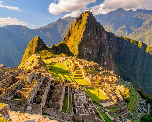 Machu Picchu is one of the seven wonders of the world / Shutterstock