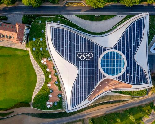 According to the U.S. Green Building Council, the 25,000 sq m headquarters is one of the most sustainable buildings in the world / Adam Mork