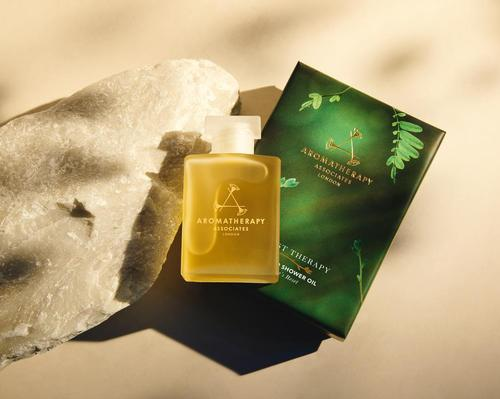 Aromatherapy Associates partners with Sarah Ivens to create new oil blend