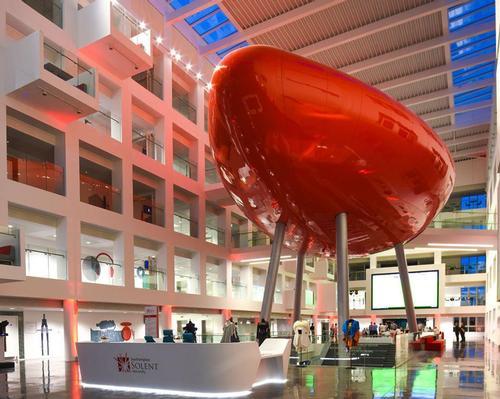 Southampton Solent University's award winning Spark Building by Scott Brownrigg / Scott Brownrigg/Southampton Solent