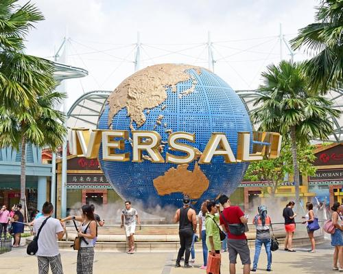 Attendance boost helps Universal increase earnings at its theme parks