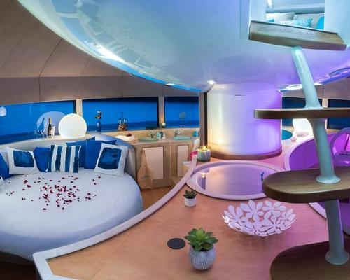 The pod has three spaces: a day space, a night space and a relaxation area / Yann Richard