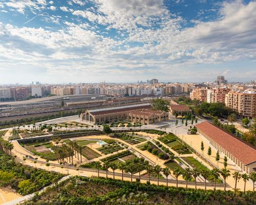 Parque Central is built on the site of former railways lines and industrial land / Richard Bloom