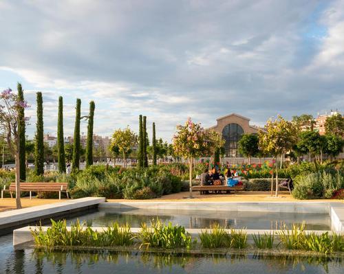 Areas include the Children's Garden, the Romantic Garden, the Flower Garden, the Orchard Garden and the Demetrio Ribes Arts Plaza / Richard Bloom