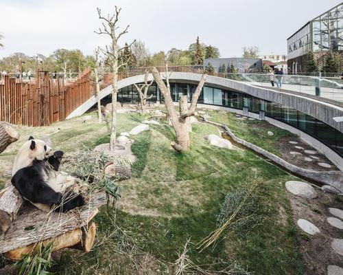The enclosure covers an area of 2,450sq m (26,400sq ft) / Bjarke Ingels Group