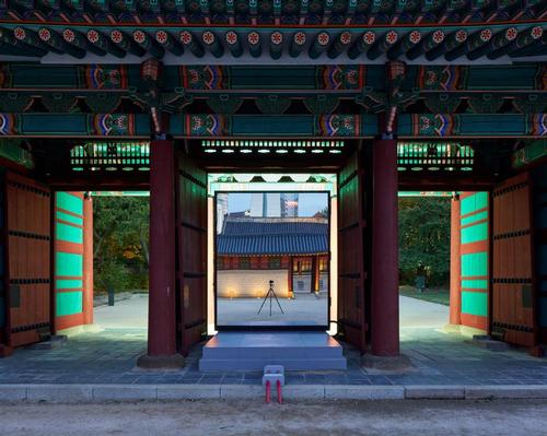 Space Popular creates video installation for the Gwangmyeongmun Gate in South Korea