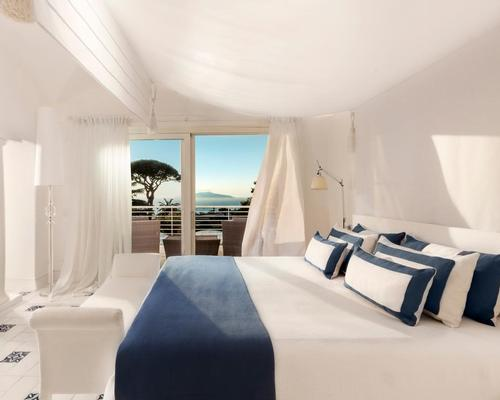 Opened in the 1960s, the 68-room hotel overlooks the Gulf of Naples and is designed in the style of an 18th-century Neapolitan palazzo.