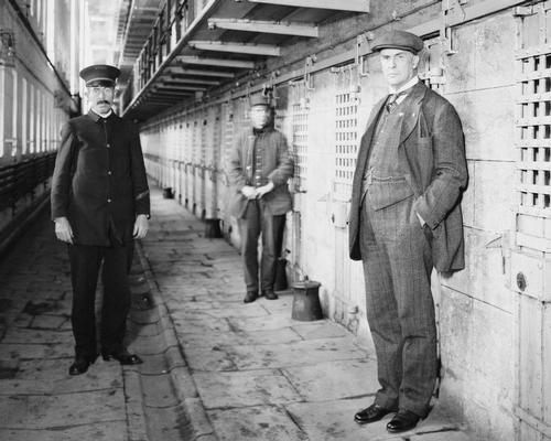 Warden Thomas Mott Osborne (right) was one of Sing Sing's most noted wardens, cracking down on prisoners who had bribed officers and intimidated other inmates